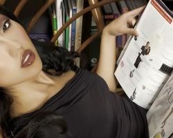 Hot Girls Love Their Fashion Magazines